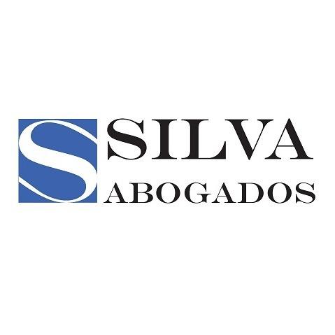 the Silva Abogados logo.