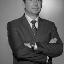 Among the first four international law firms to obtain the authorization to practice in China in 1992, Adamas is the only French firm and the only independent firm. Denis Santy, partner in charge of coordinating the Chinese Desk, reveals the behind-the-scenes story of this pioneering move and decodes the global reach of this pragmatic, flexible firm.