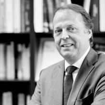 Denis Van den Bulke, founding partner of the law firm Vandenbulke, talks about the foundations, market position and activity evolution of the firm, as well as the Luxembourg legal market.
