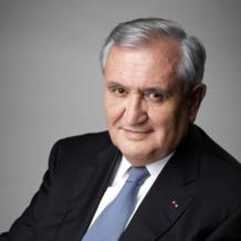Former French prime minister and currently the president of Fondation Prospective et Innovation, a public interest organization, Jean-Pierre Raffarin also lectures on leadership at the pan-European business school ESCP. Here, he talks about the different components that go into making a performance lever within today's modern business, more attuned to influence than to authority.