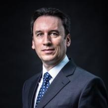 After an extensive international career, Pierrick Le Goff now occupies the position previously held by the person who hired him a quarter of a century ago. Alstom Group general counsel since 2015, his projects include the upcoming merger between Alstom and Siemens Mobility.