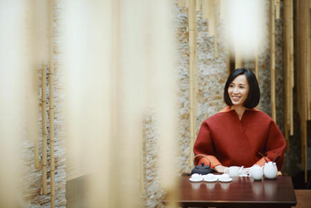 """Shang Xia, the Chinese lifestyle brand backed by Hermès, welcomed us at its boutique at the Rue de Sèvres in Paris with exquisite creations of oriental inspiration and a delicately smooth Oolong. There, we had a passionate conversion with Jiang Qiong Er, its CEO and Artistic Director. In French, English and sometimes Chinese, she shared with us how she viewed art and business, why she refused Shang Xia's media-given label of """"luxury brand,"""" and her wisdom of love towards employees and family."""