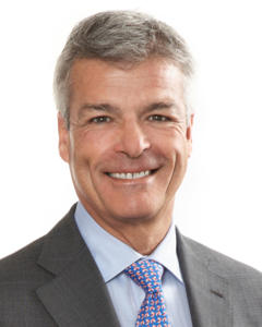 William Ainley, senior partner of Davies Ward Philipps & Vineberg, one of the largest law firm in Canada analyze the law legal market in Canada for Leaders League