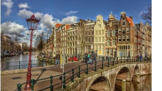 US law firm Scott+Scott is opening an office in Amsterdam, its first in Europe outside London. The office is set to open on June 1st.
