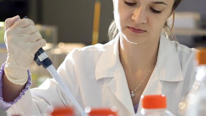 Array BioPharma Inc. et Pierre Fabre annoncent leur collaboration à l'échelle mondiale pour développer et commercialiser deux molécules en oncologie appartenant à Array et parvenue à un stade avancé de développement : binimetinib et encorafenib.