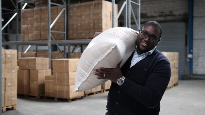 Pionnière du concept d'élevage d'insectes pour l'agroalimentaire, la start-up Entomo Farm, basée à Blanquefort, en région Bordelaise, vient de réaliser un premier tour de table qui lui a permis de lever 1,2 million d'euros, dont 900 000 sur le site de crowdfunding Sowefund. Une réussite à la hauteur des ambitions du projet. Son fondateur, Grégory Louis, revient sur sa stratégie.