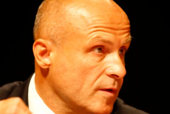 L'écrivain et diplomate Olivier Poivre d'Arvor a été désigné ambassadeur à Tunis en conseil des ministres le 22 juin.