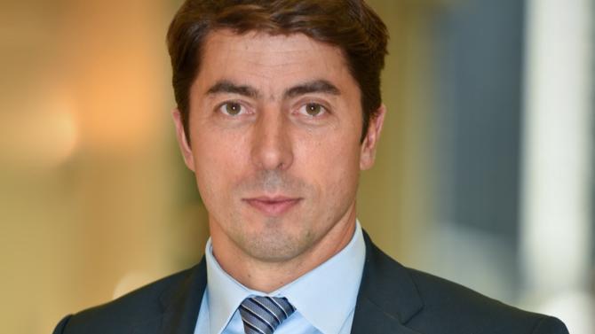 Comment soutenir la croissance de son entreprise tout en alignant ses ressources, ses compétences et ses processus RH Sébastien Van Dyk, directeur général de ManpowerGroup Solutions, se penche sur la tendance anglo-saxonne du strategix workforce planning (SWP) qui s'apprête à révolutionner les RH en France.