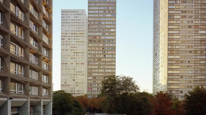 La banque suisse UBS vient de publier une étude indiquant un risque de bulle immobilière avéré dans plusieurs capitales mondiales. Vancouver, Londres et Stockholm sont les premières concernées mais Paris est également exposée.