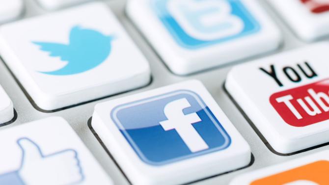 Le numérique a modifié en profondeur la relation entre la marque et les consommateurs. Ce lien, plus direct, oblige les communicants à veiller à la cohérence des messages véhiculés. Pour y arriver, ils misent sur la création de contenus pertinents et la mise en place d'outils de veille performants.