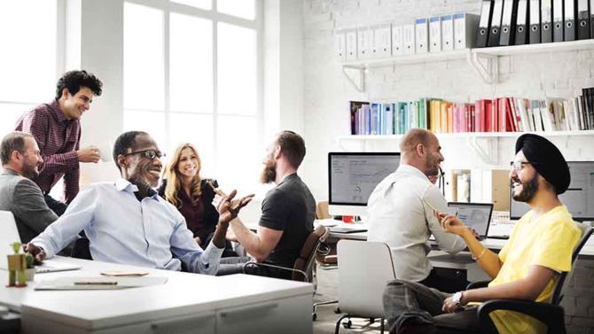 La promotion de la diversité en entreprise prend de l'ampleur. La Dares et ISM Corum ont mené une campagne de testing qui ne pourra rester sans réponses et le Club XXIe siècle propose un annuaire d'administrateurs.