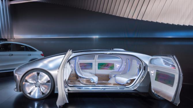 Expert des nouvelles technologies et banquier d'affaires, Guillaume Bonneton prend sa plume pour évoquer les enjeux tenant à la voiture autonome.