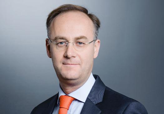 Arrivé au sein du groupe Crédit Agricole en 2009, Paul de Leusse, ancien administrateur d'Indosuez Wealth Management, a été nommé en septembre 2016 directeur général de la marque unique de la banque verte en matière de gestion de fortune. Retour sur la nouvelle dynamique d'Indosuez.
