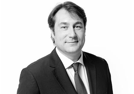 Collaborateur puis counsel depuis près d'un an, Matthias Guillou est coopté au rang d'associé au sein du département dédié à la pratique du droit pénal des affaires chez Chemarin & Limbour.