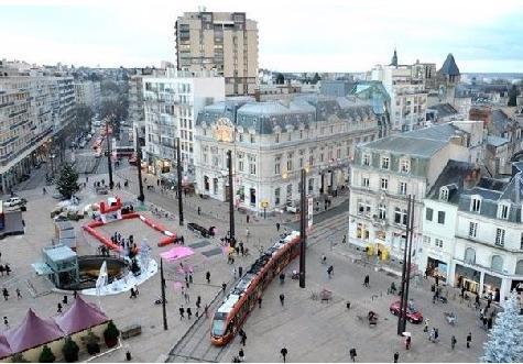 Réunis à Saint-Malo, quatre-vingt-dix membres de la Fnaim ont partagé leurs expériences sur la location et la vente de biens commerciaux avec pour enjeu de revitaliser les centres-villes.