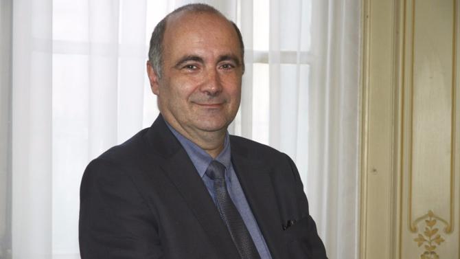 Pierre Coural œuvre avec conviction et énergie pour améliorer l'attractivité du CNRS aux yeux des chercheurs français comme étrangers. De la négociation budgétaire avec les pouvoirs publics à la mise en place d'espaces de co-working, le programme est vaste…