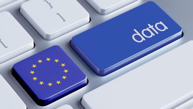 Le règlement général sur la protection des données constitue le nouveau texte de référence en la matière à l'échelle européenne. Adopté le 27 avril 2016, il entrera en application à compter du 25 mai 2018. Les entreprises n'ont plus qu'un an pour évaluer leurs systèmes de traitement des données et s'adapter aux nouvelles règles.