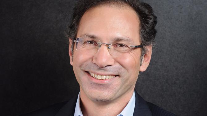 Après avoir dirigé la stratégie mondiale de Microsoft sur le segment des PME et des partenariats, Vahé Torossian a pris les rênes de l'entité française en septembre 2016. S'il fourmille de projets pour son groupe, notamment en matière de cloud et d'intelligence artificielle, il regrette de ne pas voir les hommes politiques partager son enthousiasme sur les opportunités du digital.