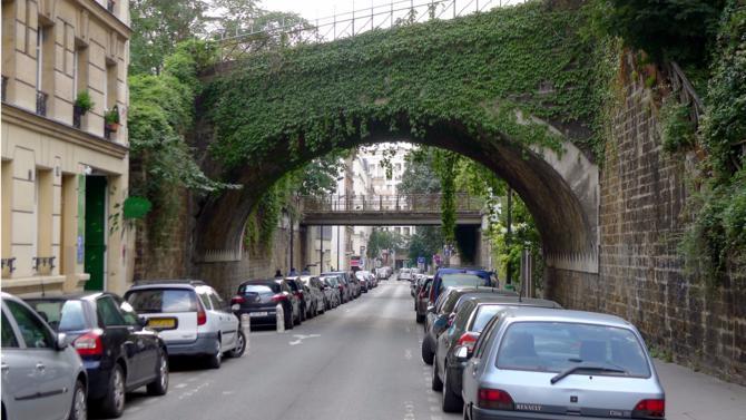 La nature en ville va-t- elle reprendre ses droits? Peut-être cosmétique, la végétalisation des espaces urbains est en tout cas en marche et la biodiversité s'affirme comme une tendance durable.