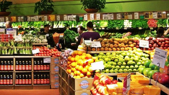 Le géant américain vient de faire sensation en rachetant les chaînes de magasins bio Whole Food. Une acquisition historique qui soulève de nombreuses questions.