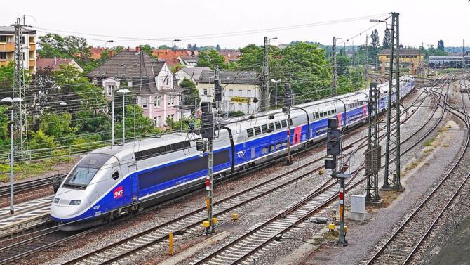 Le retour progressif à la croissance pose la question des besoins d'investissements dans les infrastructures en France, où les investissements semblent s'orienter vers le très haut débit et la modernisation des transports existants.