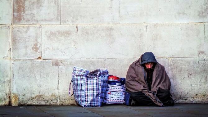 C'est le taux de pauvreté en Grande-Bretagne en 2015, selon les dernières données du Bureau national des statistiques britannique. Un chiffre en baisse mais qui demeure inquiétant au vu des performances macroéconomiques du Royaume.