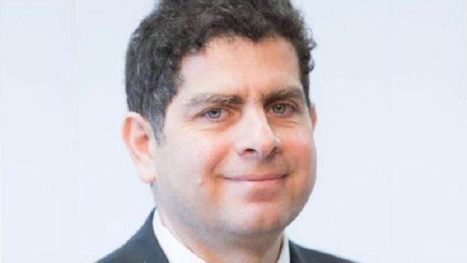 Après quatre ans passés à la direction de la Deutsche Bank en France, Bruno Hallak, cinquante ans, devrait rejoindre le Crédit Suisse à la rentrée.