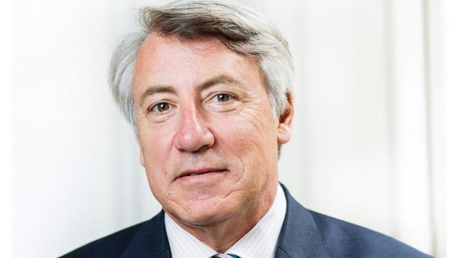 Prism'Emploi promeut le rôle social et économique des agences d'emploi auprès des partenaires publics. Son rôle est d'informer les entreprises adhérentes et de négocier des accords de branches. François Roux, son directeur général, nous parle travail temporaire.