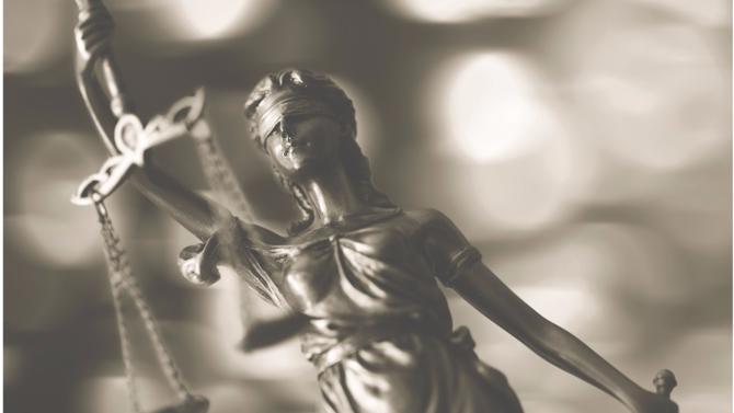 Se saisissant de la question des conditions de travail dans les cabinets d'avocats, le gardien des droits individuels a lancé au début de l'été une enquête à destination des 36 000 avocats de France. Plus de 20 000 réponses ont été recueillies. Elles sont en cours d'analyse depuis le 1er septembre et feront l'objet d'un rapport à paraître avant la fin de l'année.