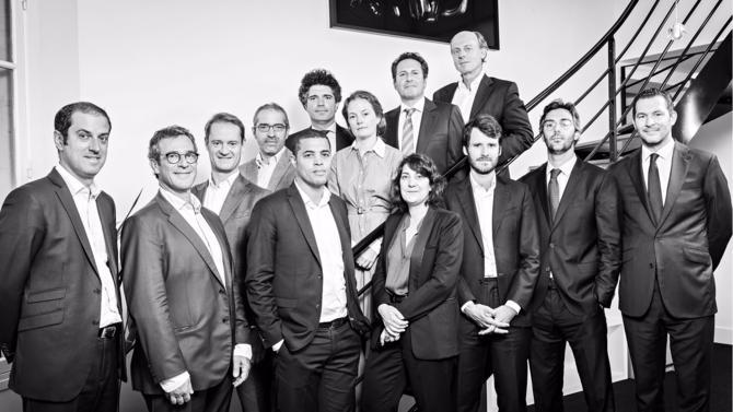 Au début de l'été, l'annonce est tombée : les deux cabinets d'avocats Viguié Schmidt et SLVF ne font dorénavant plus qu'un. Bâties sur le même business model et culturellement très proches, les équipes réunies font de leur taille un élément indispensable de réussite de leurs objectifs de développement. Entretien avec trois des quatre managing partners, Yves Schmidt, Nicolas Viguié et Fabrice Veverka.