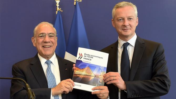 L'OCDE a adressé au ministre de l'Économie et des Finances son rapport sur la situation du pays. Si l'Organisation salue l'engagement de plusieurs réformes, notamment celle du marché du travail, elle n'est pas tendre avec le système fiscal français, jugé inefficace et trop complexe.