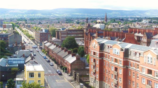 Le cabinet américain envisage de poursuivre son développement en ouvrant un bureau à Dublin, dédié aux sciences et aux technologies. L'Irish Law Society n'a cependant pas encore donné son autorisation.
