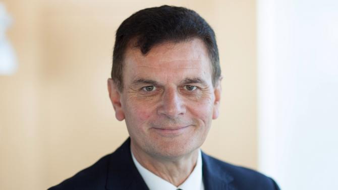 Claude Bion devient le directeur conformité, sécurité et risques opérationnels du groupe BPCE en janvier 2017. Confronté à la multiplication des normes encadrant l'activité bancaire, il revient sur la politique de conformité qu'il mène au sein du groupe.