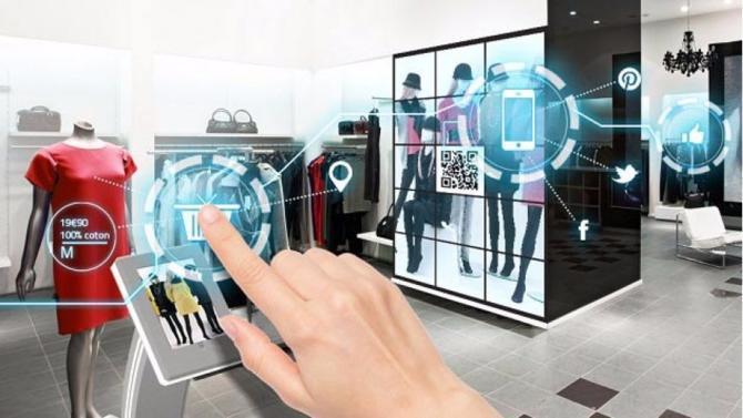 Éclipsé par les sites d'e-commerce, le magasin traditionnel semble au point mort. L'arrivée des tablettes tactiles, réseaux Wi-Fi et autres bornes interactives en son sein devrait quelque peu redorer son statut, à condition d'une véritable révolution de l'expérience client.