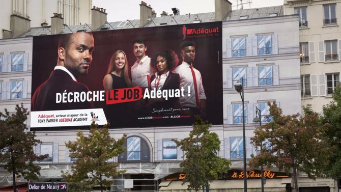Le groupe lyonnais Adéquat, acteur du recrutement et du travail temporaire, et Tony Parker affichent leur engagement pour l'emploi en lançant une campagne de communication intitulée « Décroche le job Adéquat »...