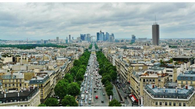 Parmi les huit villes candidates pour accueillir l'EBA, Paris sort vainqueur : le régulateur déménagera dans la capitale française d'ici mars 2019. L'occasion pour la France de renforcer son attractivité financière.