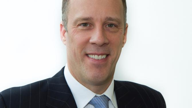 Xavier Dedullen, directeur juridique et de la compliance du groupe, expose les enjeux de conformité auxquels le leader mondial des matériaux de construction est confronté et présente les programmes mis en place.