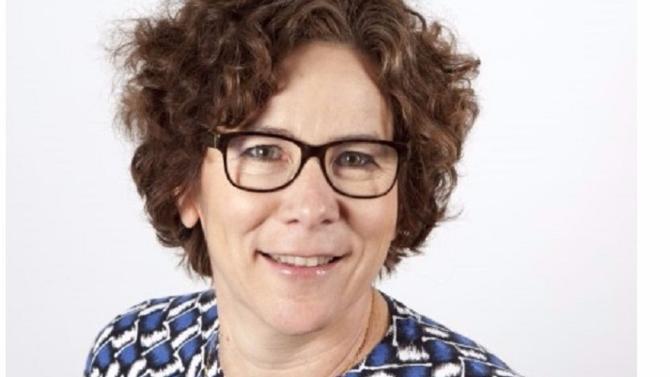 DRH de Nature & Découvertes depuis cinq ans, Anne Deneux a auparavant exercé des fonctions marketing et commerciales lui permettant aujourd'hui de parfaitement comprendre les enjeux business de l'entreprise, indissociables de la performance de ses collaborateurs.