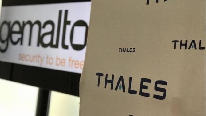 Le spécialiste de la carte à puce a refusé la semaine dernière une offre d'achat formulée par Atos s'élevant à 4.3 milliards d'euros. Dimanche 17 décembre, une nouvelle offre de 4.8 milliards d'euros a été cette fois-ci émise par le groupe Thales. Avec plus de succès, puisque Gemalto a rendu un avis favorable à cette proposition.