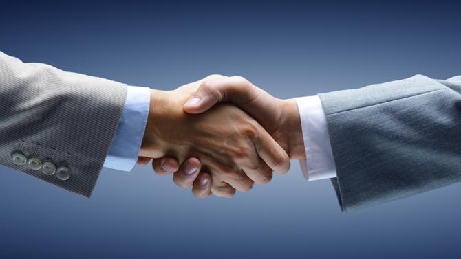 Le cabinet Roux, figurant parmi les leaders français de l'expertise en assurance-dommage et de l'audit de valeurs, s'offre une nouvelle jeunesse avec l'entrée de l'entrepreneur et investisseur Pierre Dalmaz à son capital. Une arrivée qui signe le lancement de nouveaux projets et d'une nouvelle ambition, après 120 années d'existense.