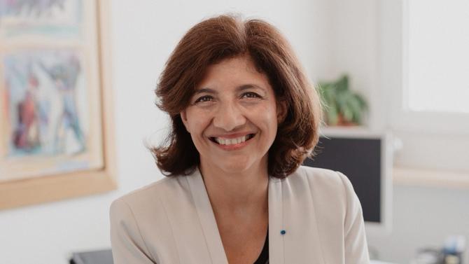 Bâtonnier du barreau de Paris de 2012 à 2013, Christiane Féral-Schuhl est la première femme à avoir été élue à la présidence du Conseil national des barreaux (CNB). À la tête des 65 480 avocats français, la spécialiste du droit de l'informatique et des nouvelles technologies évoque les enjeux au cœur de la profession et les raisons qui l'ont poussée à présenter sa candidature.