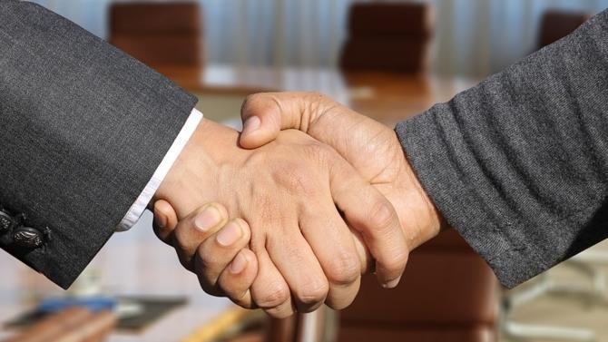 Bryan Cave et Berwin Leighton Paisner (BLP) se rapprochent pour donner naissance à Bryan Cave Leighton Paisner, un nouveau cabinet d'avocats international.