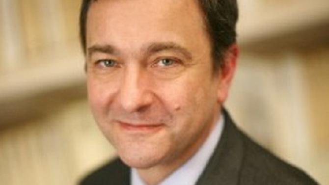 Marc Fornacciari succède à Pascal Chadenet et devient managing partner France de Dentons.