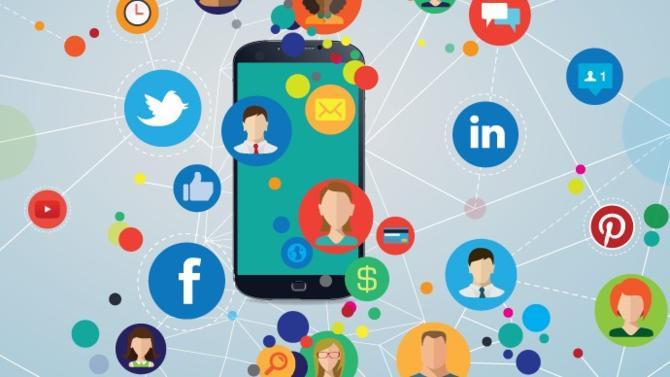 Les réseaux sociaux, paradis de la donnée, seraient-ils en passe de devenir le nouvel Eldorado des compagnies d'assurance? Des sociétés se positionnent déjà sur ce nouveau terrain de jeu afin de mieux adapter leurs contrats d'assurance en fonction des traits de personnalité perceptibles sur la Toile.
