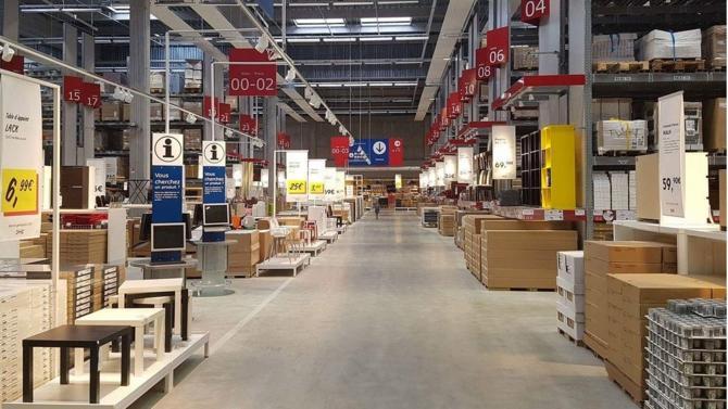 Ikea a annoncé l'ouverture d'un magasin en plein cœur de Paris, ce qui représente un bouleversement majeur dans la stratégie du groupe. Celui-ci souhaite attirer les consommateurs urbains, et par conséquent s'adapte à leurs besoins spécifiques.
