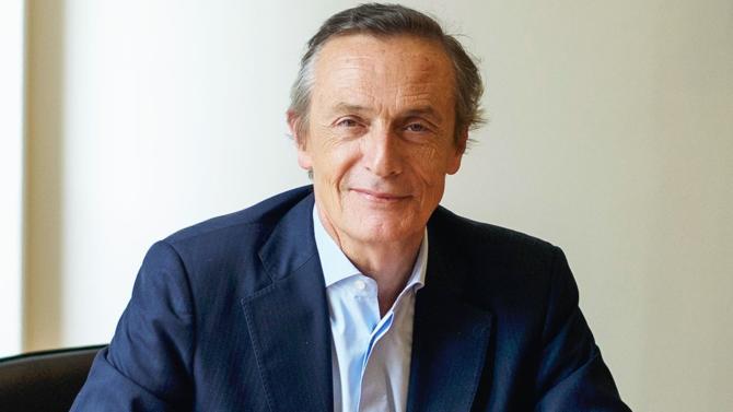 Jean-Baptiste Danet, président de CroissancePlus, dresse le bilan de l'année et revient sur les grandes réformes du gouvernement, détaillant les enjeux économiques et sociaux des chefs d'entreprise en France.