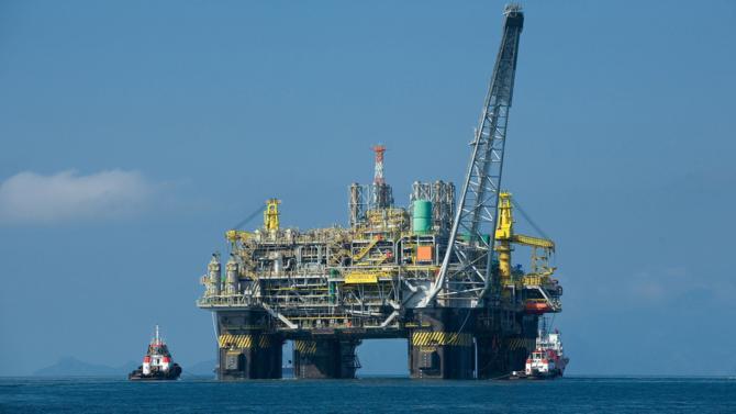 L'or noir a retrouvé des couleurs. La remontée récente des cours de l'hydrocarbure, en stagnation depuis près de deux ans, laisse entrevoir aux majors du pétrole un horizon plus dégagé.