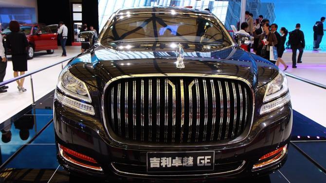Afin de relancer une industrie en phase de ralentissement et éviter une surproduction, le président chinois, Xi Jinping, a fait part de son intention de libéraliser le marché automobile de son pays. Les constructeurs occidentaux voient d'un mauvais œil l'arrivée de ses nouveaux concurrents à bas coût.