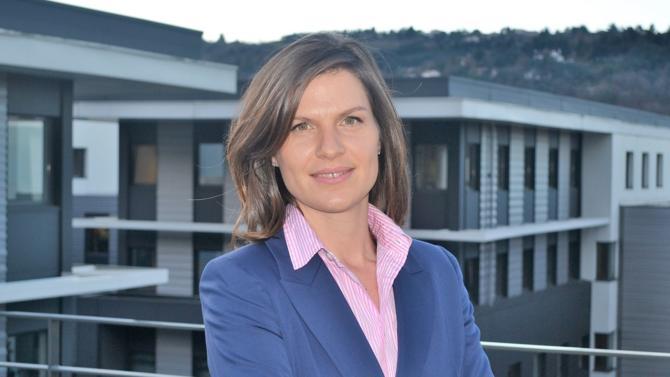En 2015, Élisabeth Lelièvre prend la direction Europe des ressources humaines de Prezioso Linjebygg, spécialiste des travaux anticorrosion et de l'isolation industrielle. Elle est aujourd'hui en charge de la transformation de l'entreprise à la suite de son rachat par le groupe Altrad à l'été 2016. Un projet d'envergure.