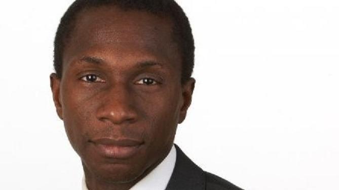 L'avocat spécialiste de la réglementation bancaire et financière Hervé Ekué dirige à présent le bureau parisien d'Allen & Overy.
